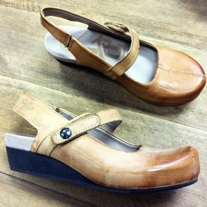 beb6be0d751 OTBT Shoes - OTBT Springfield Mary Jane Wedge Shoes SZ 7.5